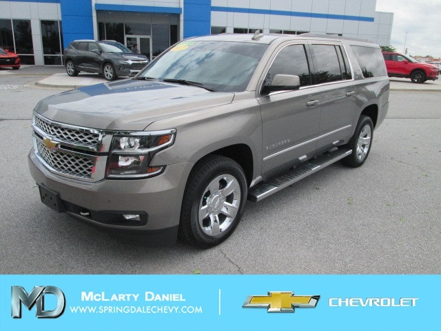 Pre Owned Suburban >> Pre Owned 2017 Chevrolet Suburban Lt 4wd