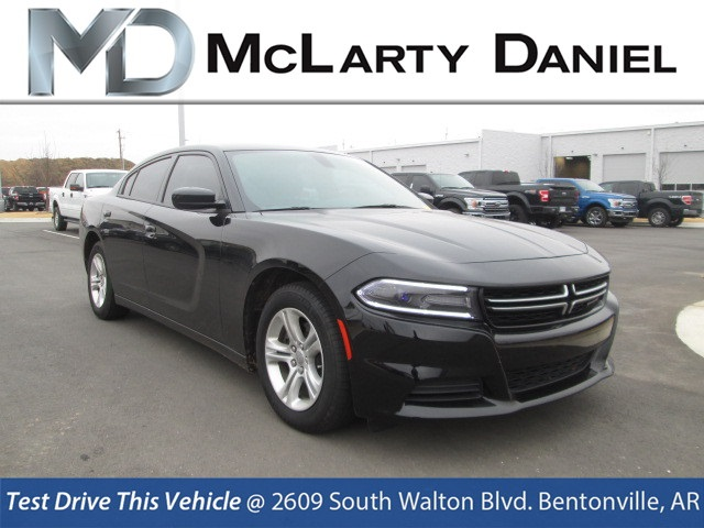 Pre Owned 2017 Dodge Charger Se 4d Sedan In Bentonville H581866
